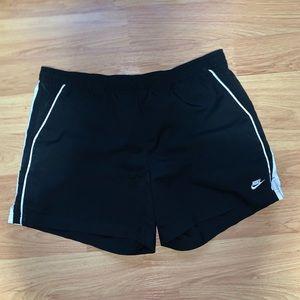 Men's black Nike shorts size large